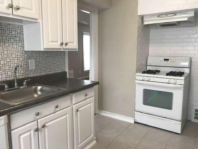 Mayfield Heights, OH rental updated kitchen